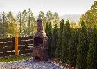 duży grill na podwórku domku Vip