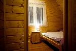 sypialnia trzyosobowa (dwa łóżka 140x200 i 90x200)